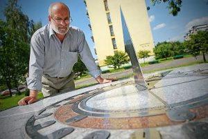 Henryk Jan Dominiak artysta polska marka / tyski rubinowy zegar słoneczny - DOMINIAK AH®