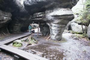 Grażyna Dominiak Błędne Skały - Góry Stołowe osobliwy labirynt skalny - 2004 - DOMINIAK AH