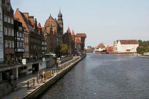 Grażyna Dominiak - Gdańsk - Żuraw – zabytkowy dźwig portowy najstarszy zachowany w Europie - 2003 - DOMINIAK AH