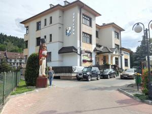 Grażyna Dominiak i Janosik - Szczyrk Urząd Miasta 19 czerwca 2016 – DOMINIAK AH
