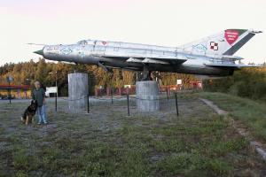 Grażyna Dominiak - ulica Niepodległości Nowa Ruda stacja paliw Orlen 2003 - DOMINIAK AH